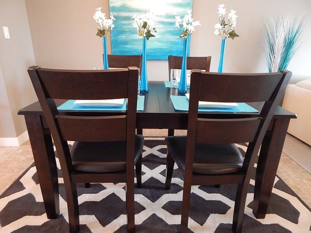 dining-room-881127_640.jpg