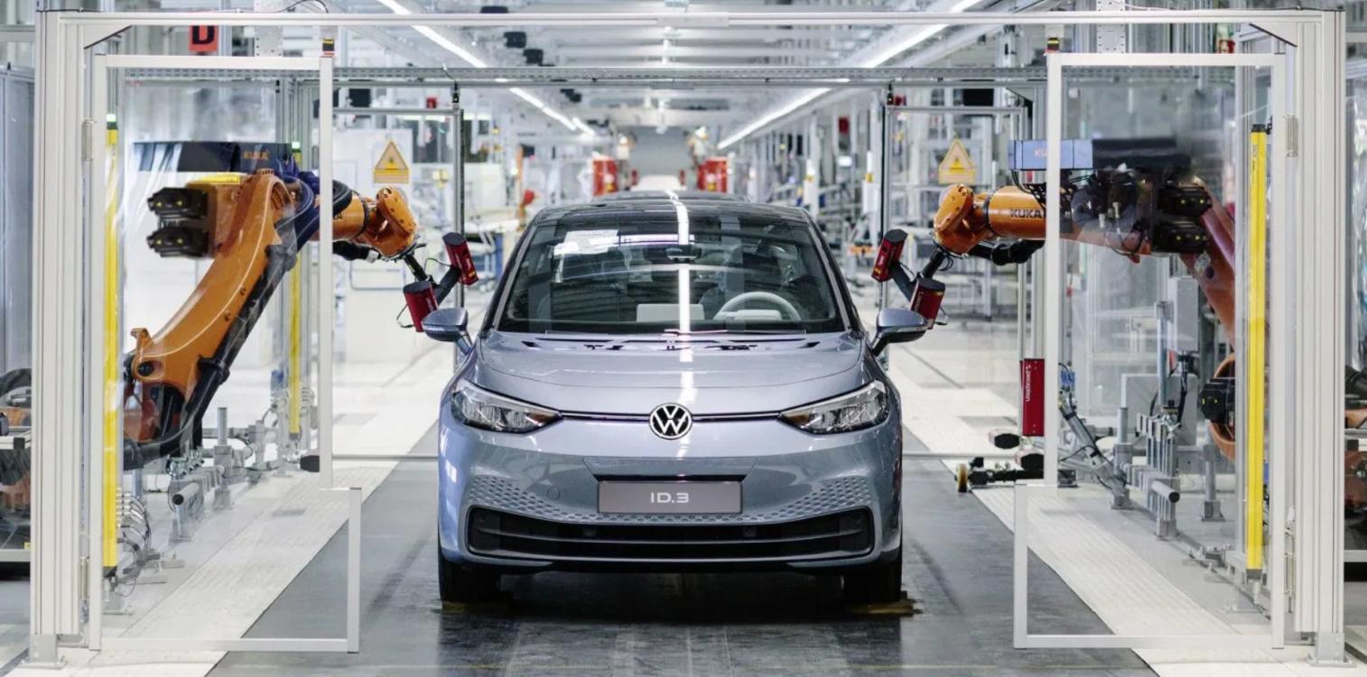 Veículo elétrico sendo produzido Volkswagen
