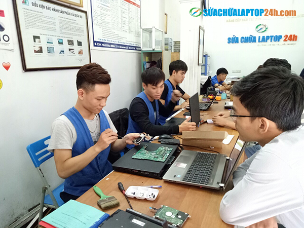 Laptop-cleaning-service-2