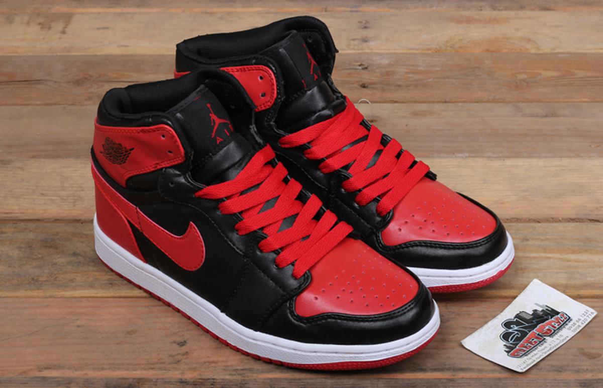 Nike Air Jordan 1 được đông đảo giới trẻ săn đón
