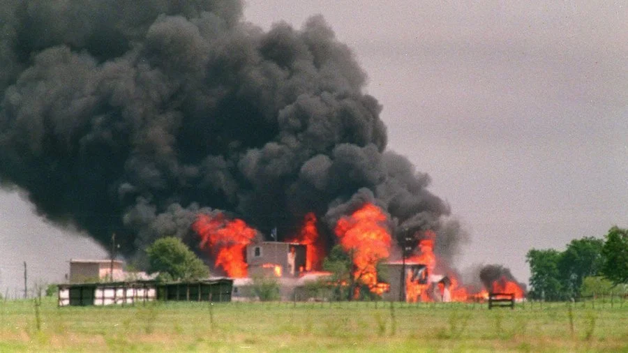 Branch Davidians Cult building burning