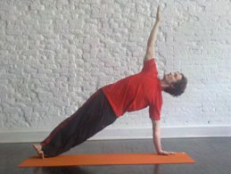 Side-Plank-Yoga-Pose-Yoga-Poses-for-Beginners.jpg