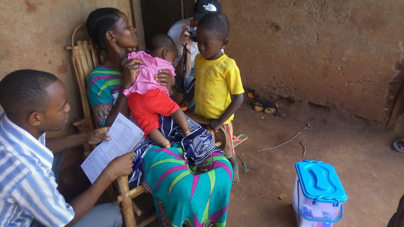 20170101タンザニア訪問_Mtro診断中.jpg