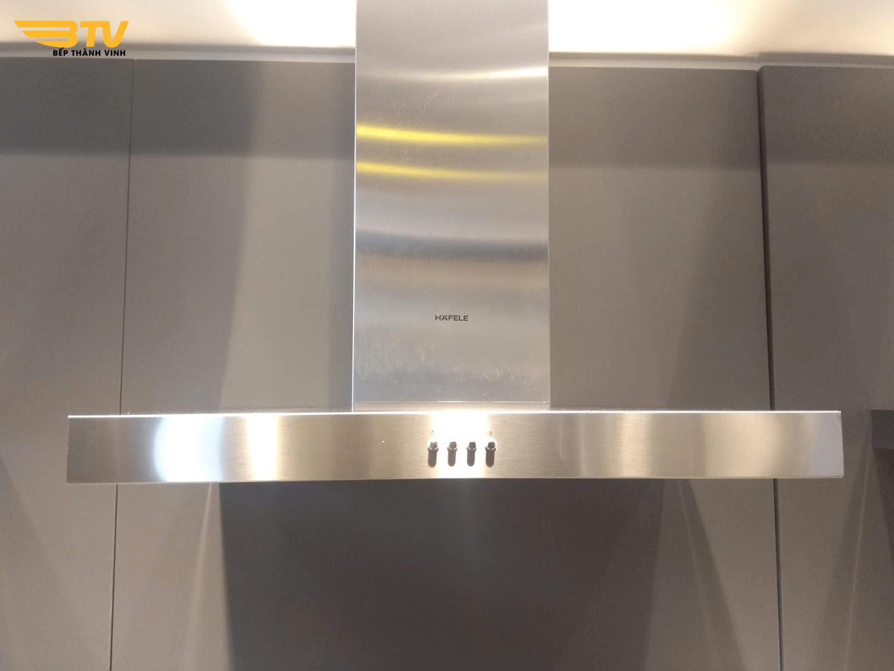 ảnh thực tế Máy hút mùi Hafele HH WI70B