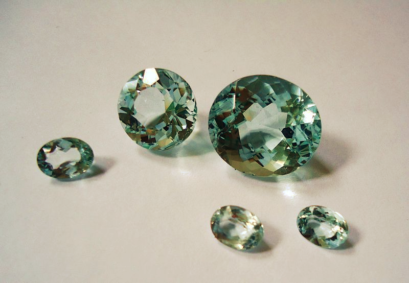 """5 Brazilian Aquamarine"" by Mauro Cateb / CC BY-SA 3.0"