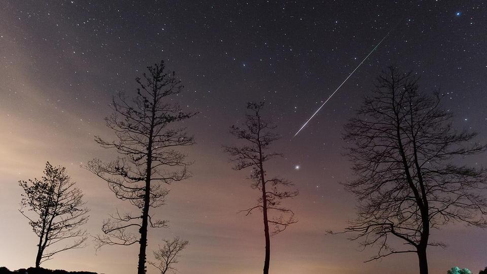 NASA highlights the fun stuff you can see in the night sky ...