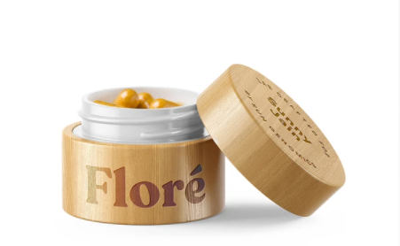 Sun Genomics Floré probiotics come in an attractive bamboo case. It can be stored unrefrigerated in this container for 30 days.
