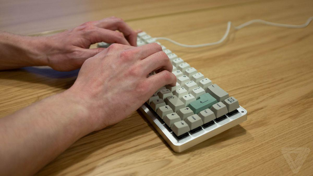 Tips to Position Your Fingers on the Home Row Keys.jpg