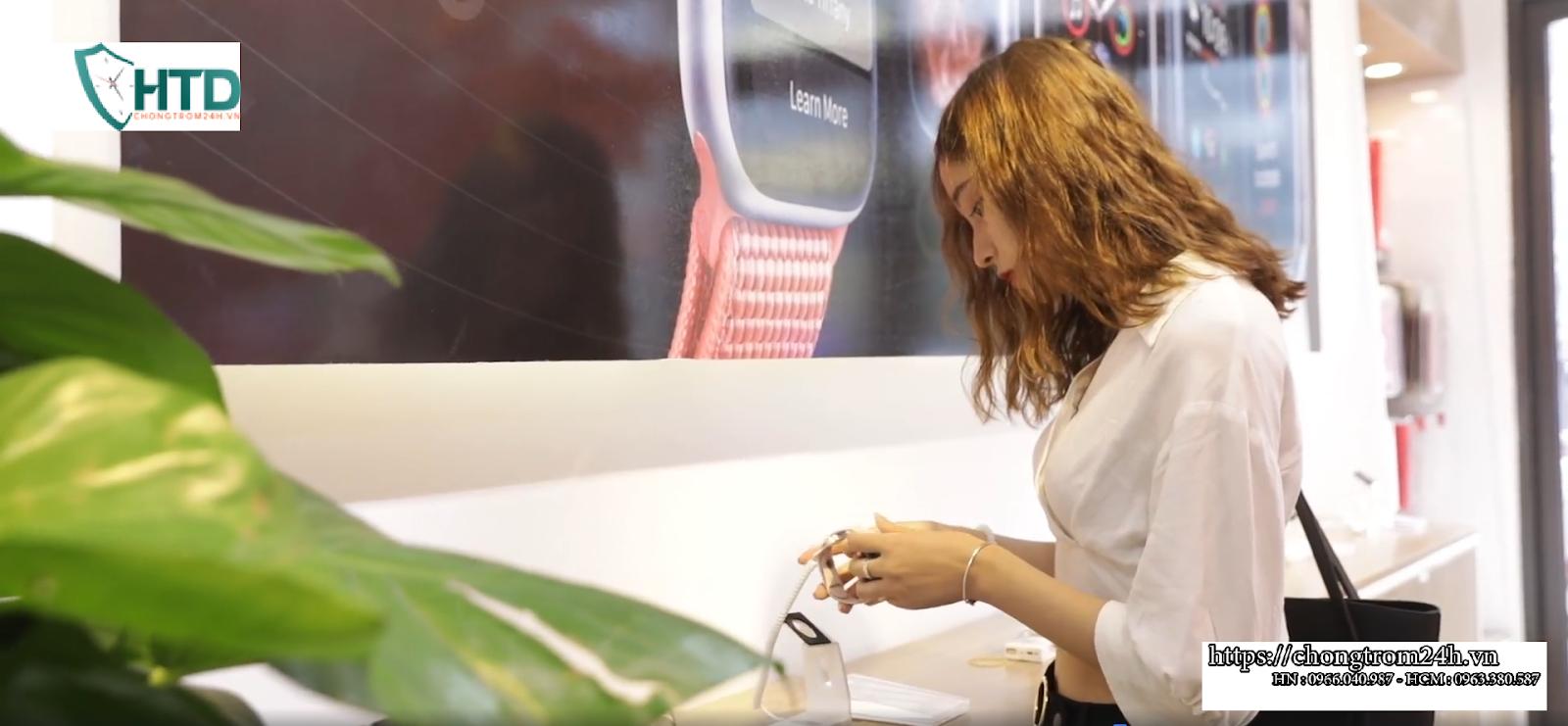 Thiết bị chống trộm đồng hồ thông minh tại Phi Hùng mobile
