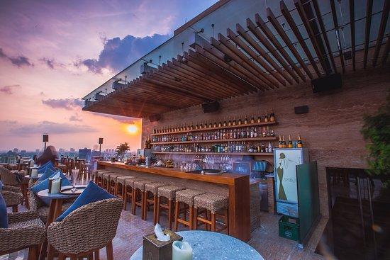 Sơn hiệu ứng Waldo-Không gian chill quán Social Club Saigon