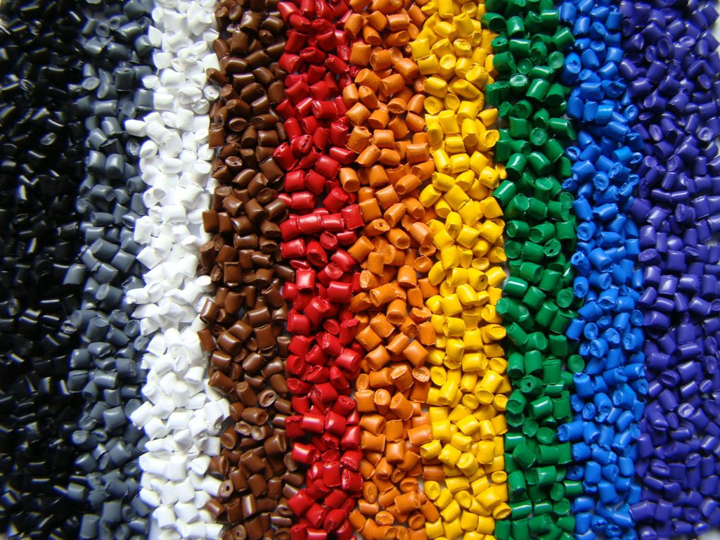 пластик разных цветов