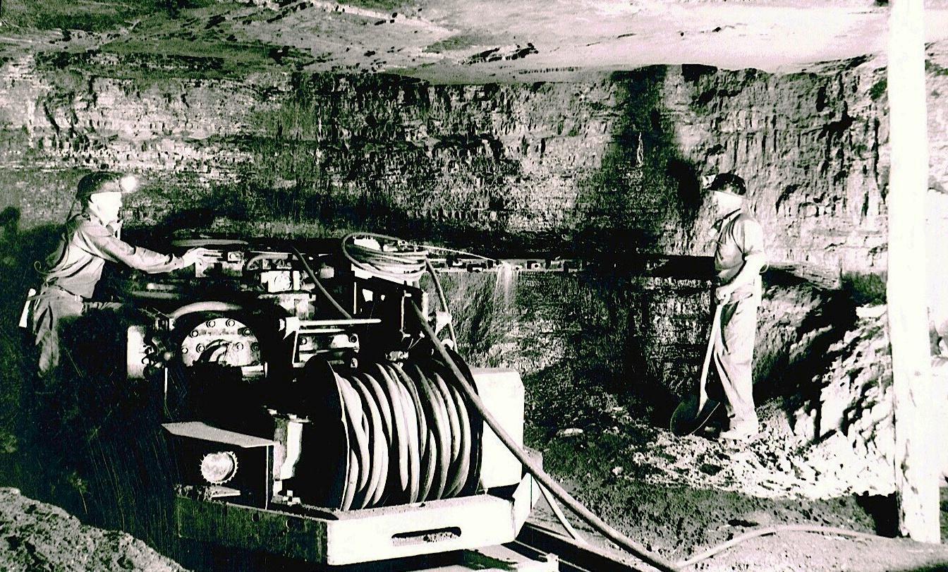 F:\29L Jeffrey Coal Cutter Nebo.JPG