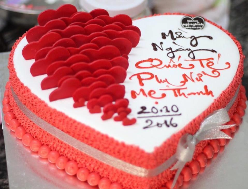 Những cách trang trí bánh sinh nhật cơ bản
