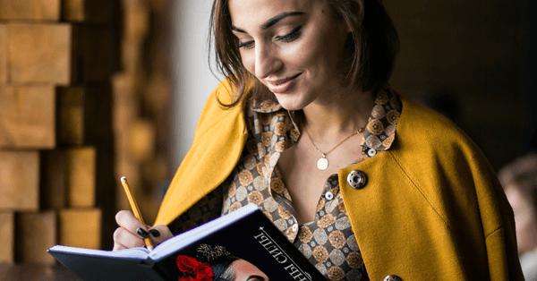 """Книга """"Женщины силы"""" поможет выйти замуж!"""