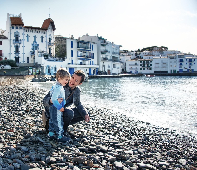 Familia de vacaciones en Cadaqués