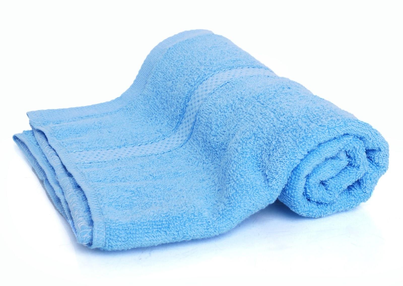 Dùng khăn mềm, khô để lau các thiết bị điện bên ngoài bình