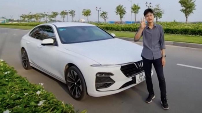 Chủ kênh Youtube đăng tải video nói về lỗi của xe VinFast Lux A2.0 màu trắng