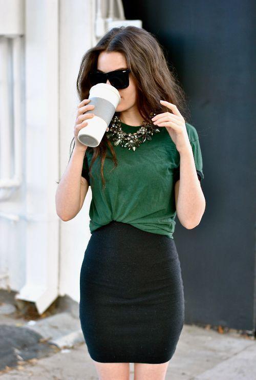 Adorei! Fazer uma saia no mesmo tecido do Vestido Preto.: