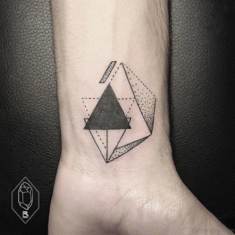 ลายสักสามเหลี่ยมขา