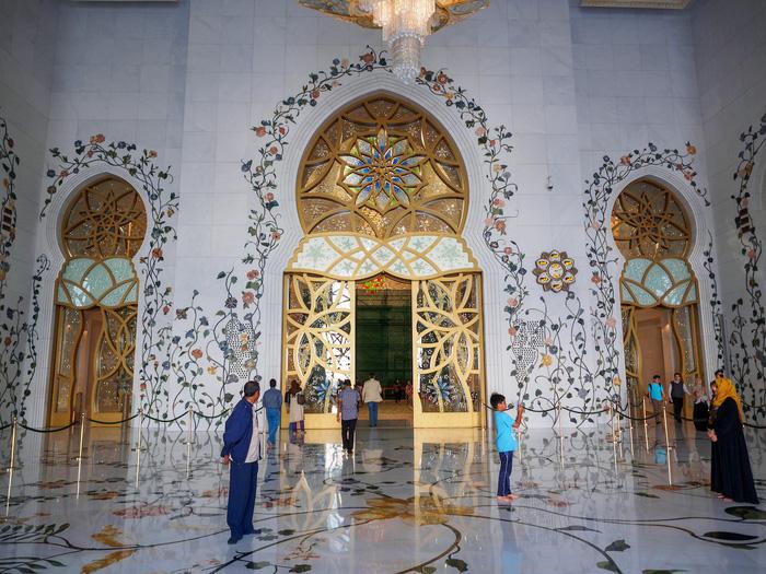 Sheikh Zayed - Thánh đường trắng tuyệt đẹp ở Abu Dhabi - Ảnh 4.