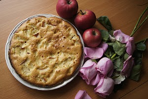 Can Cats Eat Apple Pie
