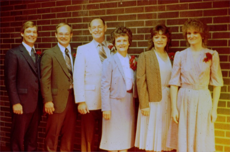 Gene Vaughn family Nov 1982_2.png