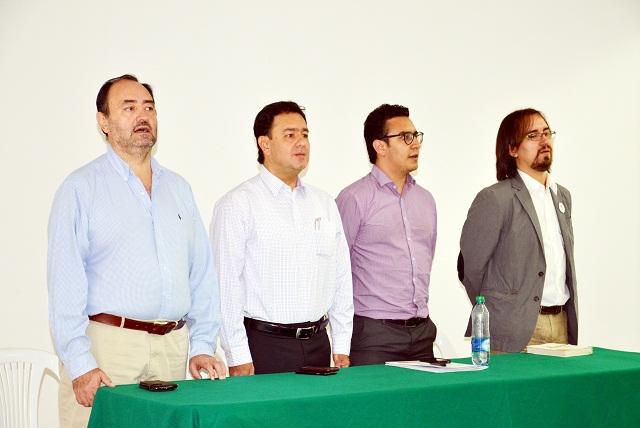 Alcalde invitó a funcionarios a ser profesores de la reconciliación