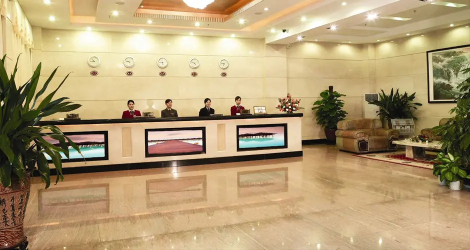 The smart video panels in a hotel lobby. Source: 3CinnoDisplay - Smart Video Wall - Rev Interactive