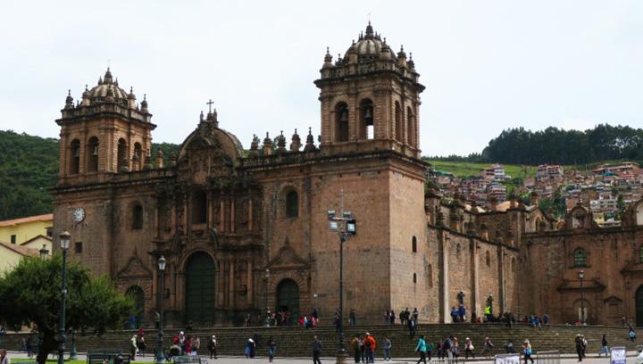 Transporte Flores también te lleva a destinos como Cusco