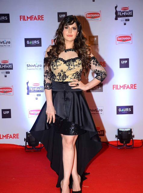Zarine Khan Looks Beautyfull Black Robe At Filmfare Awards