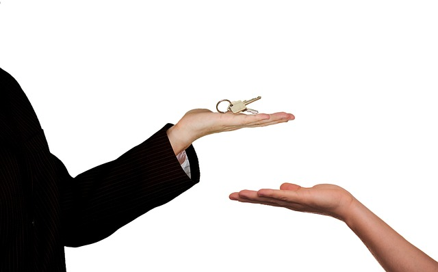 real estate agent is one of the property careers to consider