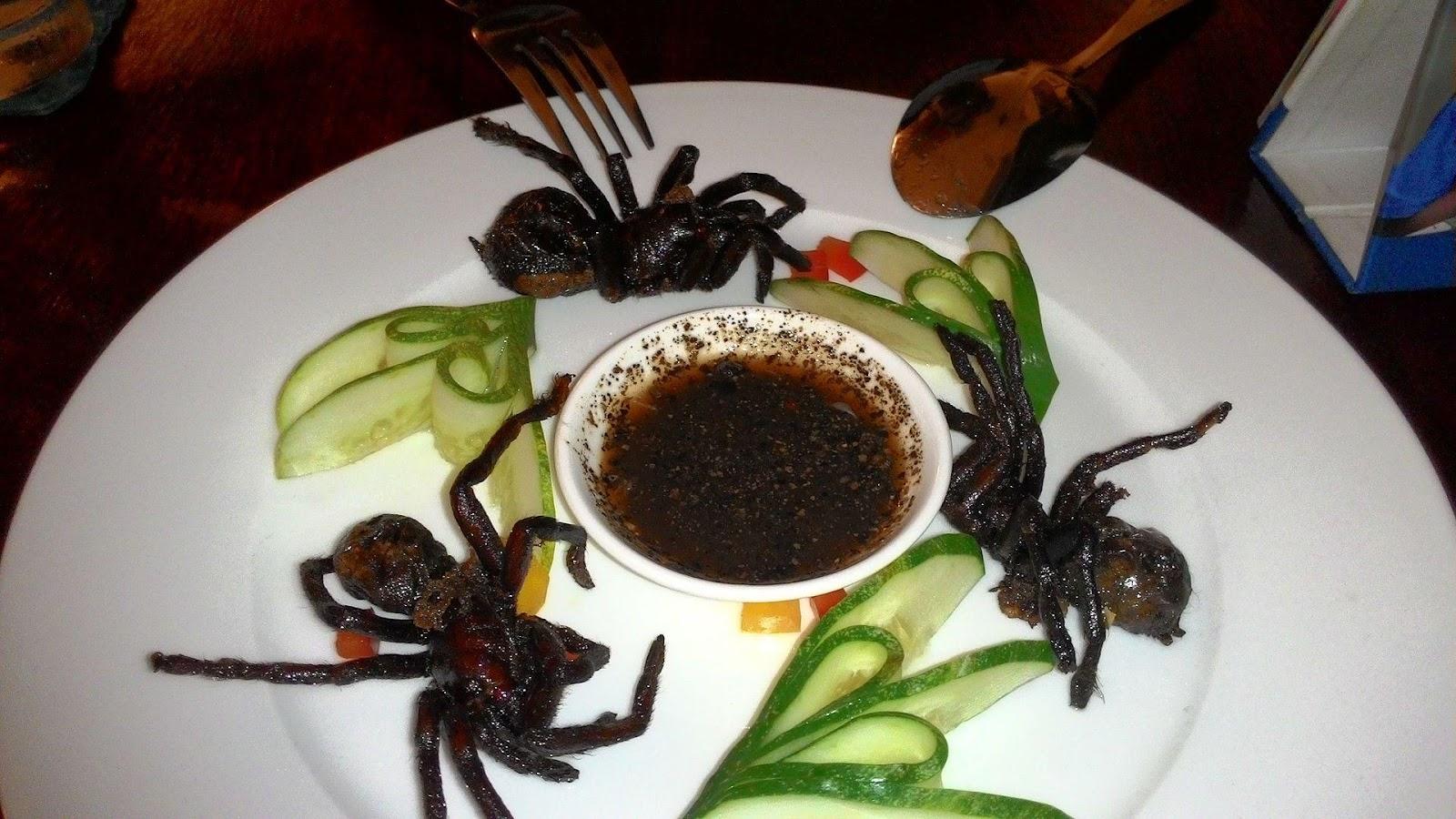 https://upload.wikimedia.org/wikipedia/commons/thumb/c/c7/Fried_Tarantula_in_Cambodian_Restaurant.jpg/1920px-Fried_Tarantula_in_Cambodian_Restaurant.jpg