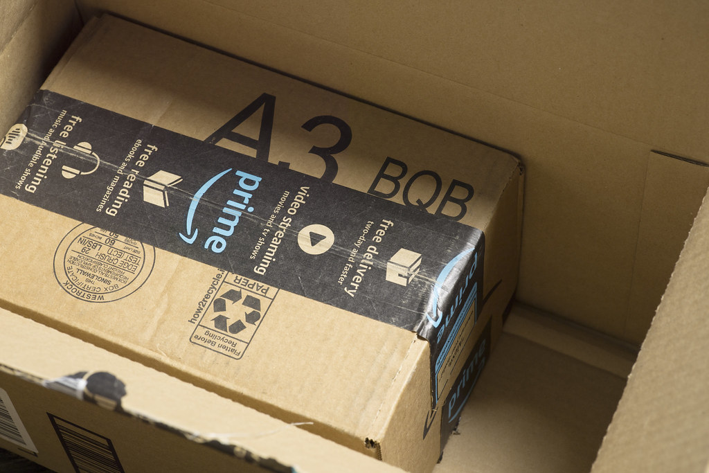 an image showing amazon prime boxes