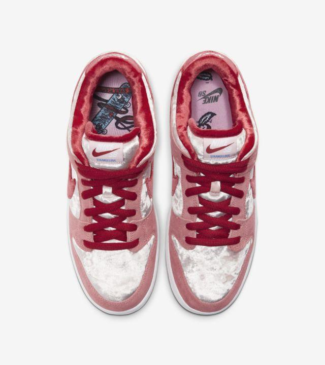 """StrangeLove x Nike SB Dunk Low"" รองเท้า Skateboards สุดหวานแหวว 03"