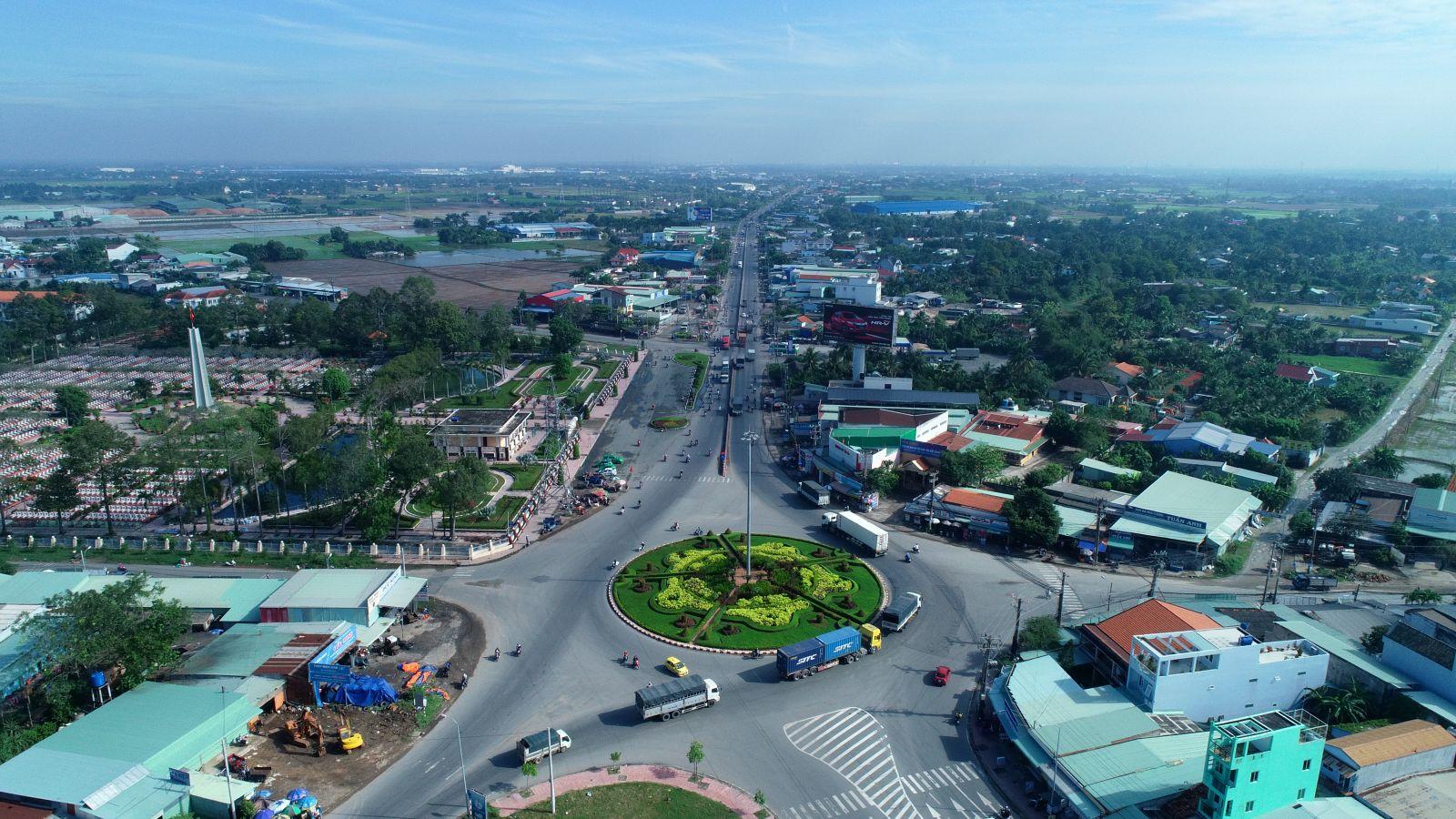 Trung bình 1 lô đất ngang 5m dài khoảng 20-30m tại các phường gần trung tâm Tân An sẽ có giá 900 triệu đến 2 tỷ