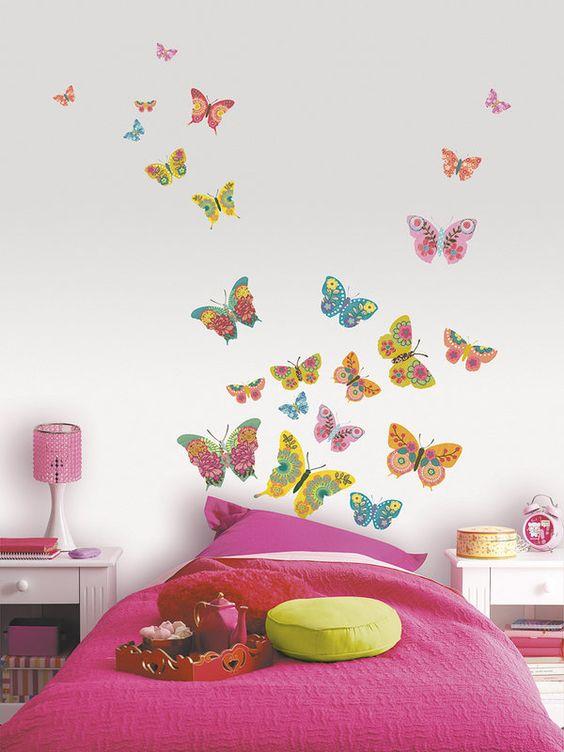 borboletas pintadas na parede do berçário