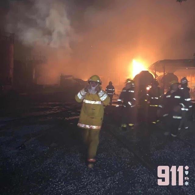9-1-1 informa que fue extinguido el incendio en Villa Aura; Salud Pública confirma 4 personas afectadas