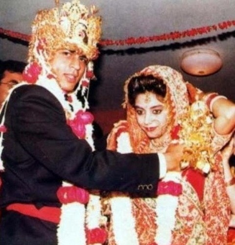 Uncommon & Unseen Photos Of Shah Rukh Khan & Gauri Khan4