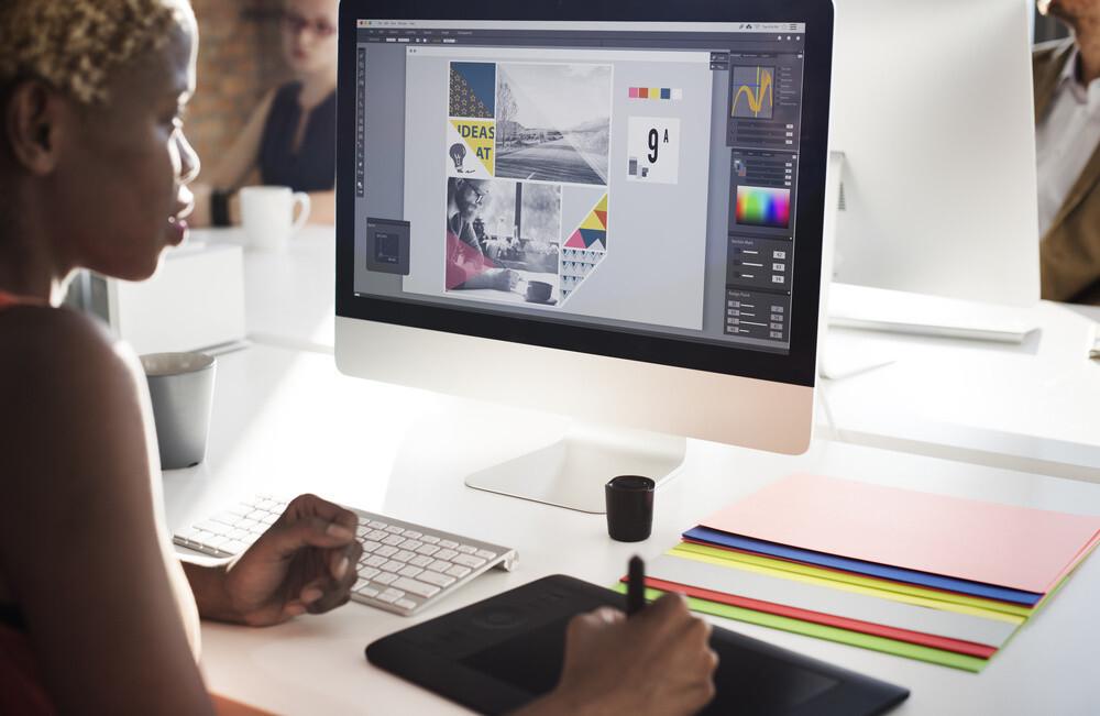 Fokus ke foto atau grafik visual