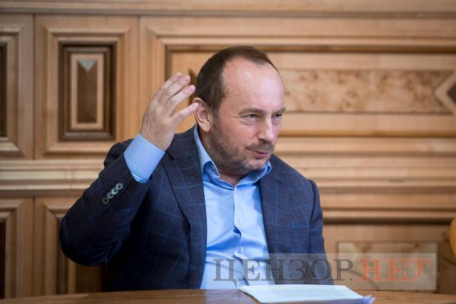 Глава Гостаможслужбы Павел Рябикин: Под санкции СНБО попала видимая часть айсберга контрабанды 05