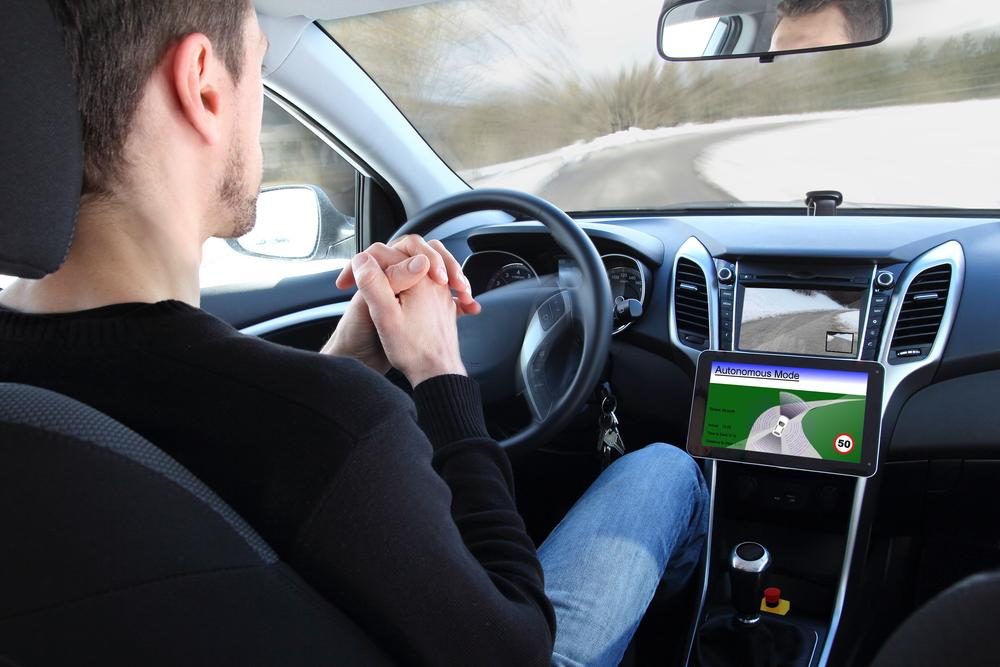 Carro autônomo é apontado como um caminho para saída da crise do setor automobilístico alemão. (Fonte: Shutterstock)