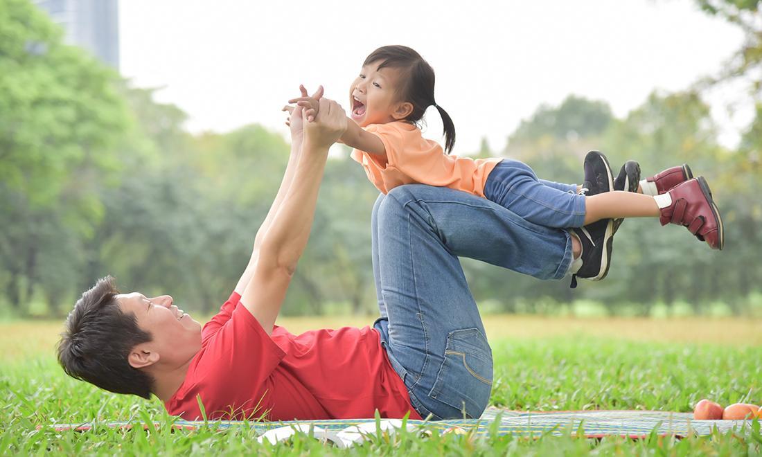 Làm sao để luôn hoàn hảo trong mắt con? – Tư vấn học cách làm cha mẹ vui vẻ