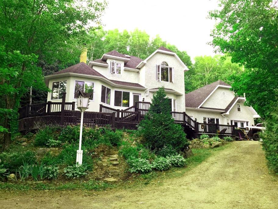 Cottages for rent in Petite-Riviere-Saint-Francois #14