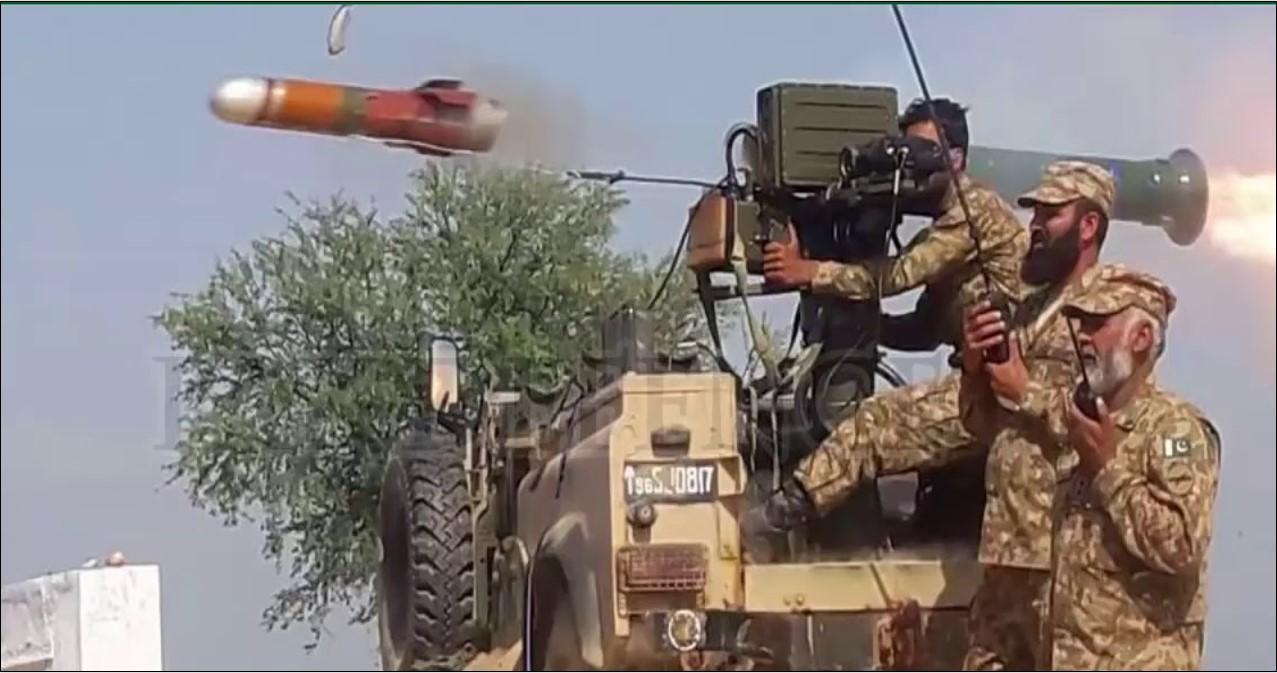 Light anti tank troops of Pak army firing a Bhaktar Shikan ATGM