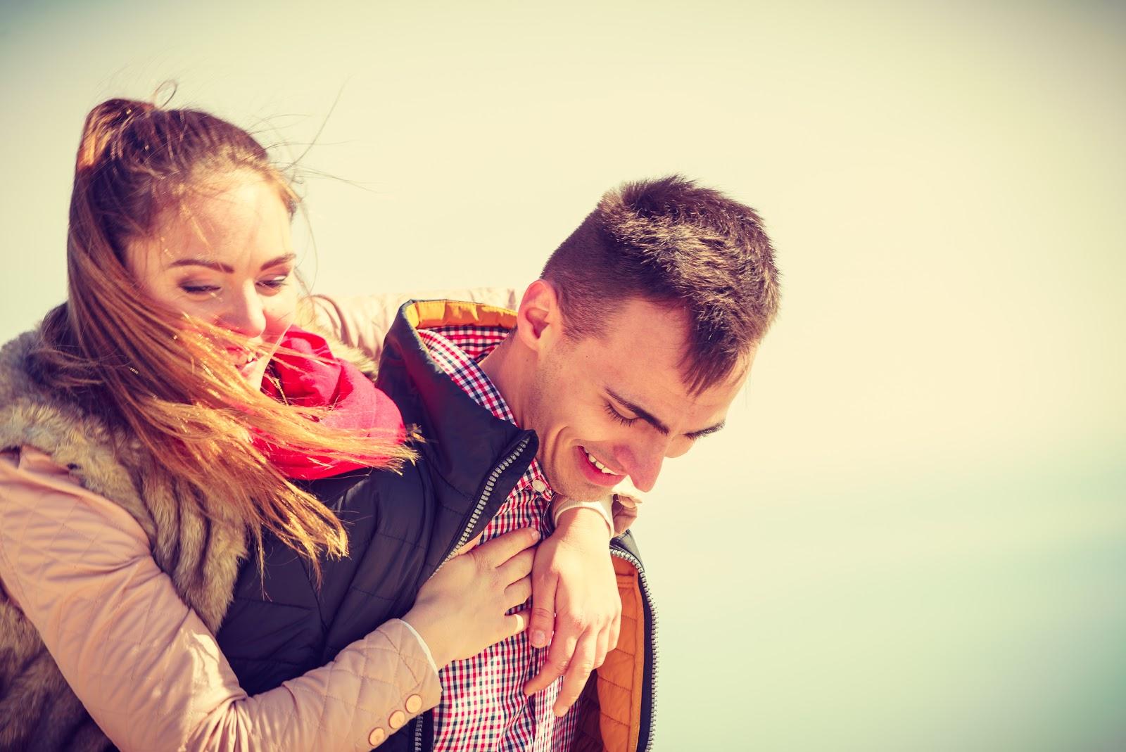 A couple having fun using positive psychology