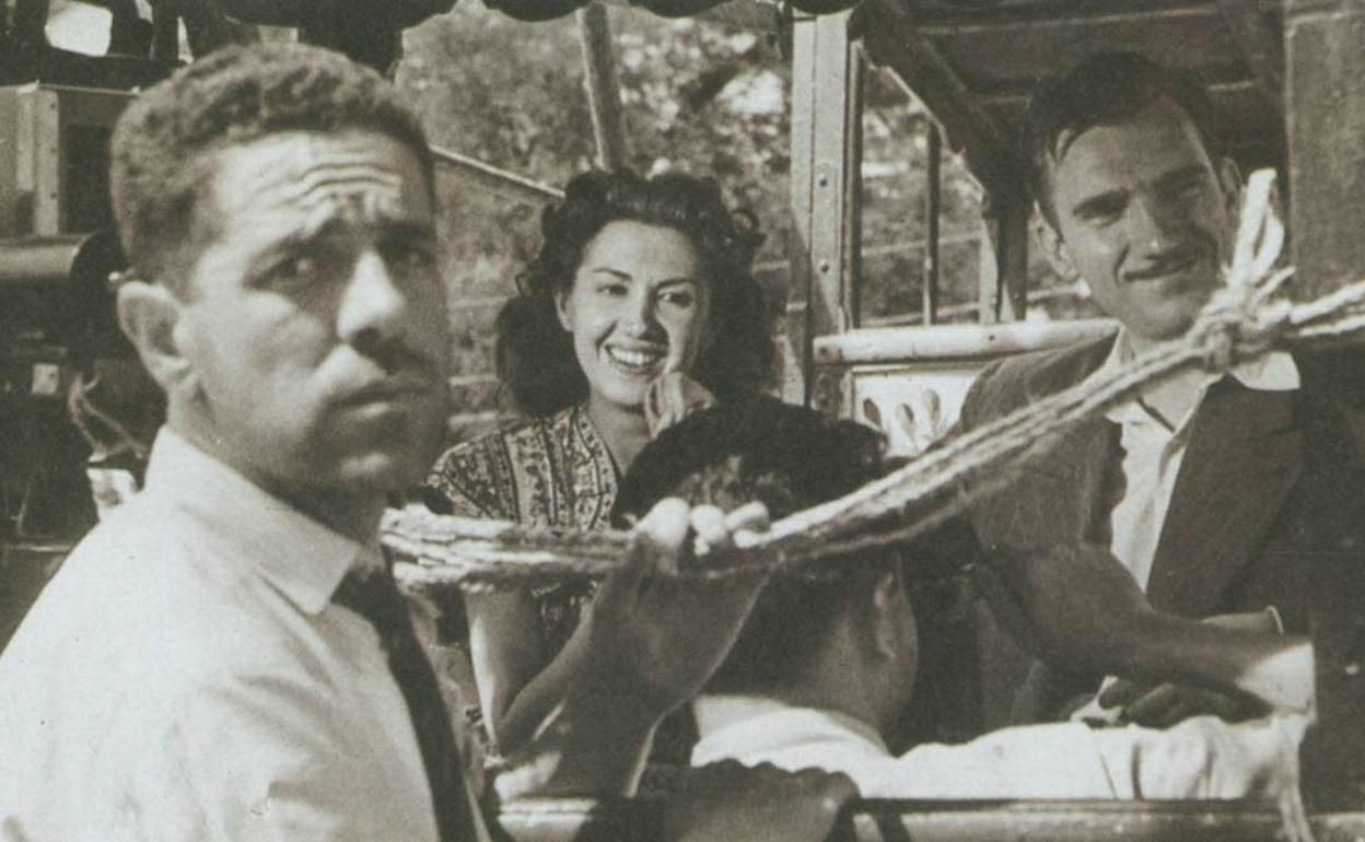 La historia del bañista rescatado en Málaga que pagó la primera película de  Berlanga y Bardem   Diario Sur