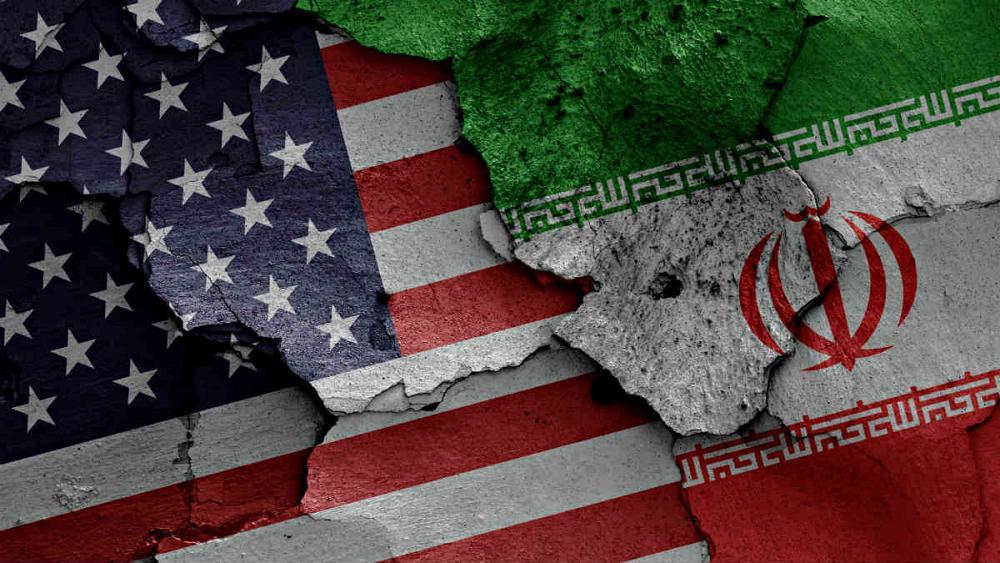 Trump amenaza a Irán, pero aún ve camino para la paz.