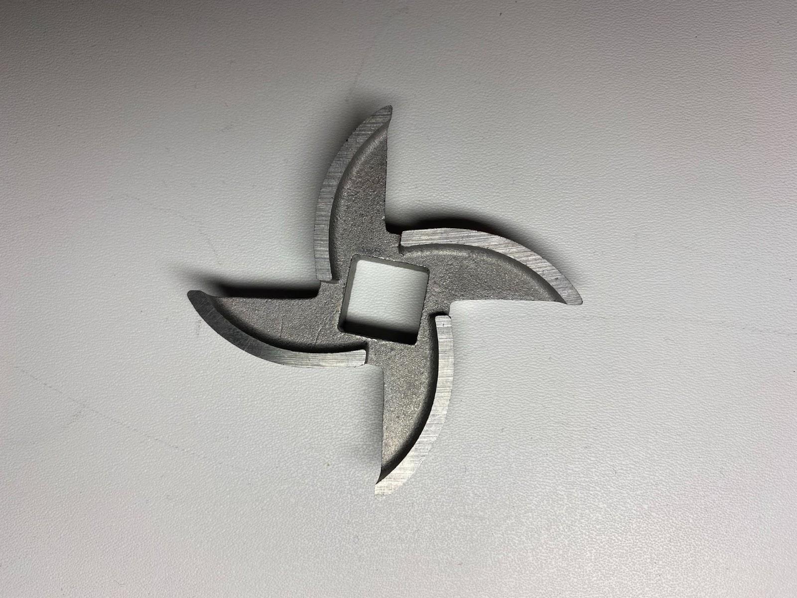 Мясорубка  Wollmer M901: серповидный нож