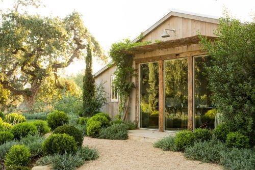 2. เคลียพื้นที่สวนหน้าบ้าน