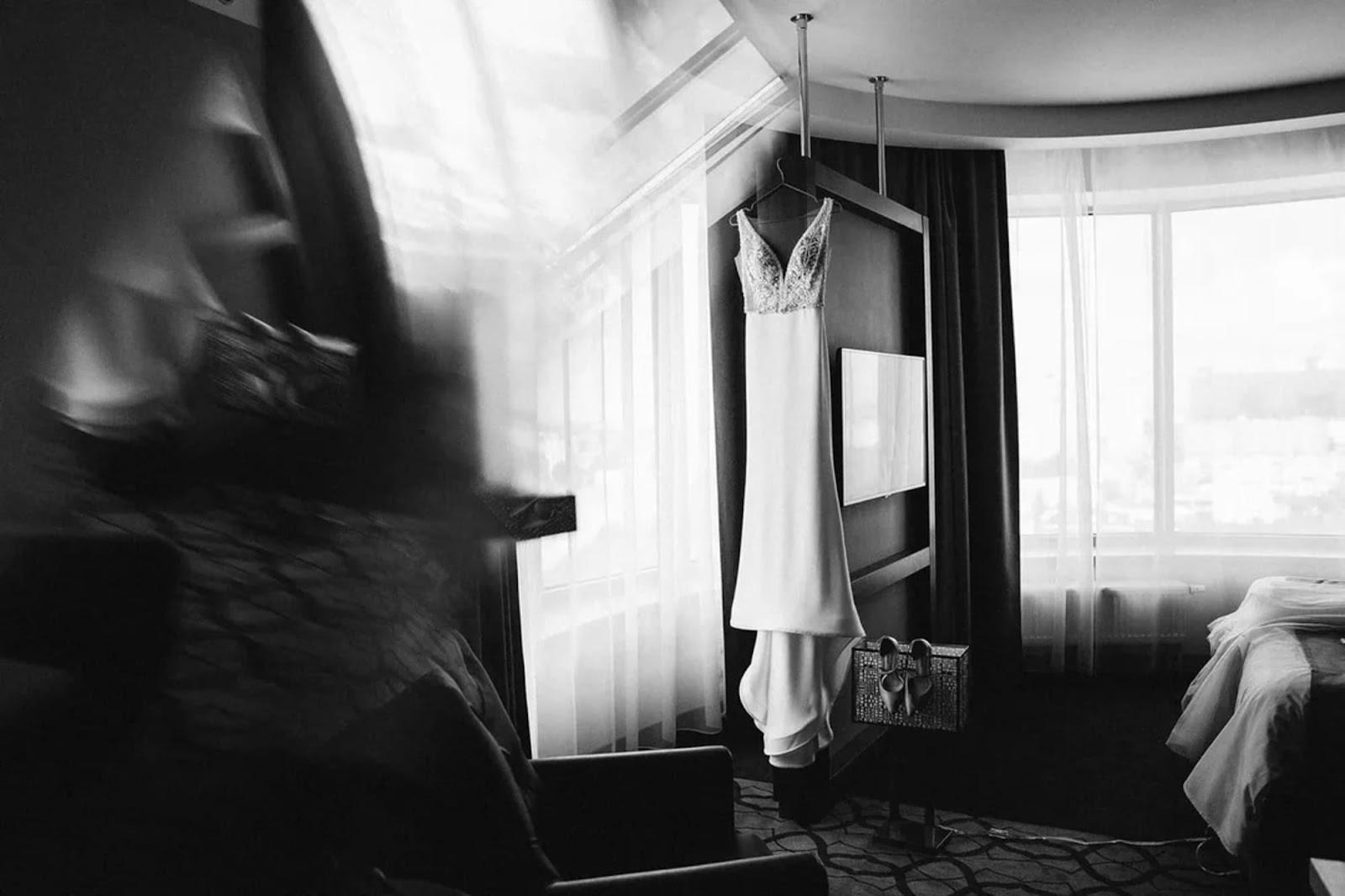 Изображение выглядит как внутренний, окно, комната, кровать  Автоматически созданное описание